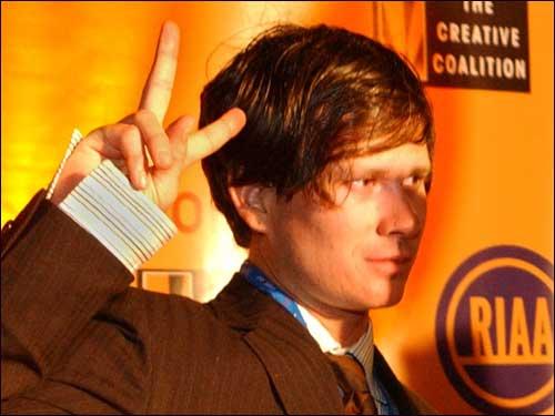 Tom Delonge Hair 2004