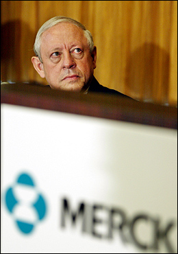 Merck's chairman, president and chief executive officer, Raymond V. Gilmartin, looked over the company's logo as he listened to Merck's research laboratories director during a press conference announcing Merck's voluntary withdrawal of Vioxx, its arthritis and acute pain medication, in New York in September.