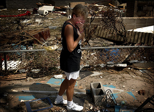 Laurie Miller reacted as she saw her destroyed home for the first time in Biloxi, Miss.