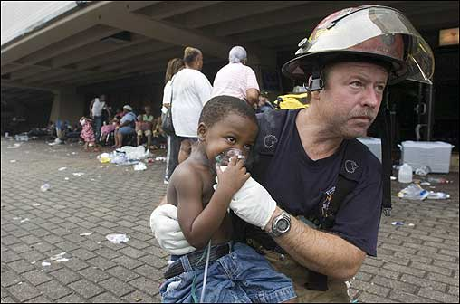 New Orleans firefighter Doug Balser treated 3-year-old Deonte Hurst after a fire erupted in a trash chute at the Superdome early Thursday morning.