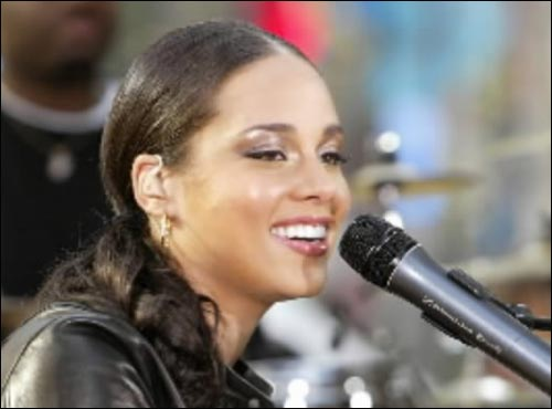 Viacom will simulcast a multi-artist, multi-city concert special on Sept. 10 on MTV, VH1 and CMT that will benefit the American Red Cross and other relief efforts. Featured artists include Ludacris, Green Day, Gretchen Wilson, Usher, Alicia Keys (pictured here), John Mellencamp and Rob Thomas.
