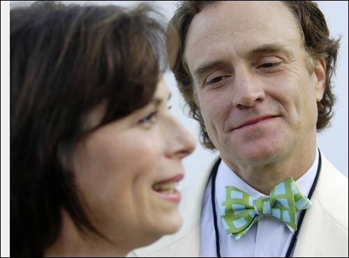 Jane Kaczmarek and Bradley Whitford's fourth annual Clothes Off Our Backs Primetime Emmy Auction will donate its proceeds from the sale of celebrity clothing and accessories to the American Red Cross.