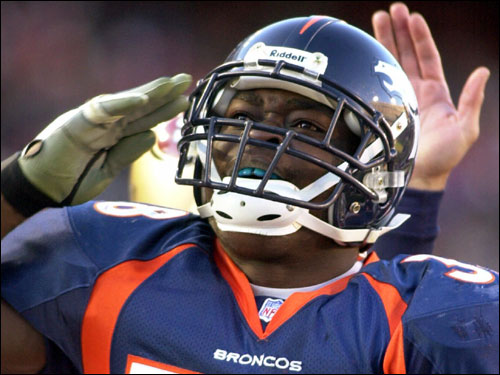 Denver tries to establish the running game longer than any team in the NFL. The Patriots have been outstanding against the run over the past two months. The team that's able to control the line of scrimmage will win this game. The Broncos have confidence in both Mike Anderson (pictured) and Tatum Bell; and either of them can run the play that's diagrammed in the photos that follow. (Source: Former Pats Pro Bowl LB and current Curry College coach Steve Nelson)