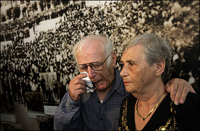 Simon Glasberg and sister Hilda Shlick at the Holocaust museum in Jerusalem yesterday.