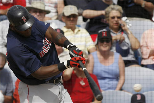 Red Sox batter Willy Mo Pena hit a single during the third inning against the Blue Jays.