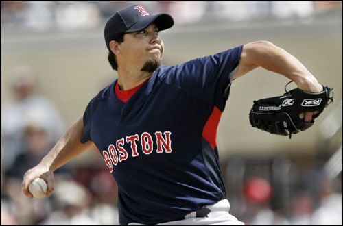 Red Sox pitcher Josh Beckett threw against the Tigers in the second inning of a game in Lakeland, Fla., on Saturday.