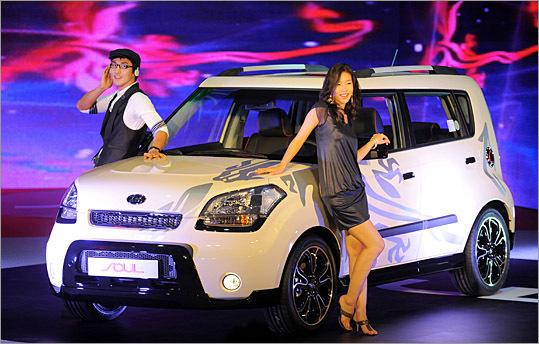Kia introduces soul compact in seoul for Kia motors south korea