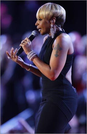 Mary J. Blige was among the first performers at the 10 inauguaral balls held Tuesday night in Washington, D.C.