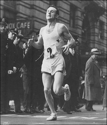 Johnny Kelley nears the finish line during his first Boston Marathon victory in 1935.