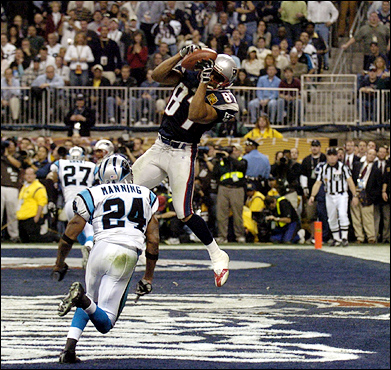 David Givens of the New England Patriots pulled in the Patriots' second touchdown.
