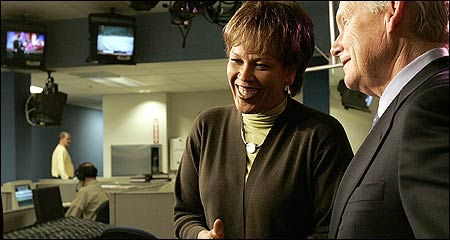 Liz Walker, a longtime anchor at CBS4 with Jack Williams (right), plans to leave the noon newscast to host a Sunday morning community affairs show for the station. (Globe Staff Photo / Anne Kreiter(