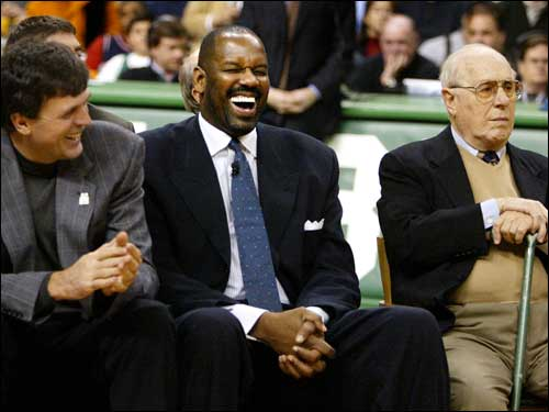 Auerbach didn't share in the laugh with Kevin McHale (left) and M.L. Carr (center) at the retirement ceremony of Cedric Maxwell's No. 31 in December 2003.