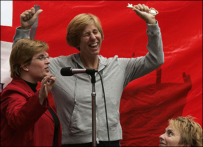 Cindy Sheehan received the key to the city of Cambridge yesterday afternoon from the vice mayor, Majorie Decker.