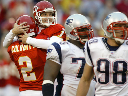 Chiefs kicker Lawrence Tynes, second from left, celebrated with Dustin Colquitt after kicking a 47-yard field goal.