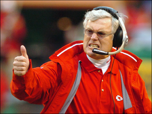Chiefs head coach Dick Vermeil gave a thumbs-up to kicker Lawrence Tynes after he hit a 47-yard field goal at the end of the first half.