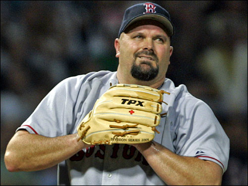 David Wells is unhappy in Boston as well, and may even retire if the Red Sox don't deal him before the season starts.