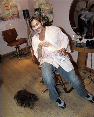 Former Red Sox center fielder Johnny Damon bid farewell to his trademark beard and long locks in the Manhattan hair salon Ishi as he prepared for his formal introduction as a New York Yankee. His new team, which gave him a four-year, $52 million deal, has a strict appearance code.