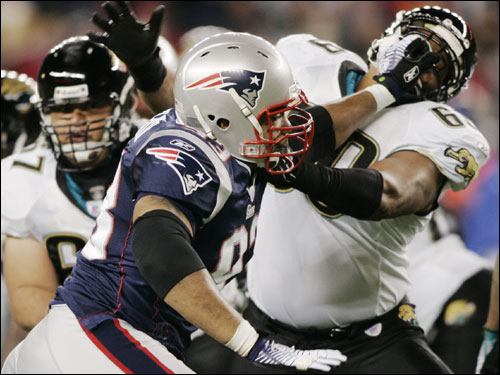 Patriots defensive lineman Richard Seymour worked in close with Khalif Barnes of the Jaguars during the first quarter.