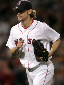 Red Sox pitcher Bronson Arroyo will reportedly agree to a three-year deal.