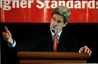 Senator John Kerry gave his view of recent world events yesterday at a meeting of executives and other members of the South Shore Chamber of Commerce at the Marriott Hotel in Quincy.