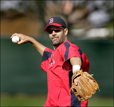 New Red Sox third baseman Mike Lowell threw on Wednesday.