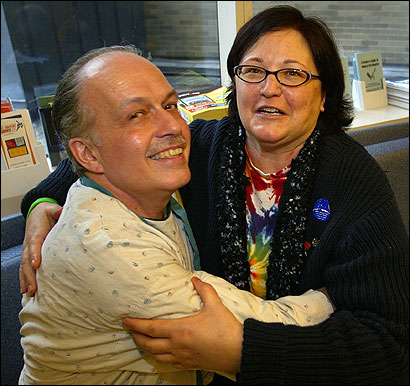 Richard Krafton and Becky Borchert said goodbye and wished each other well last week. Borchert donated a kidney to Krafton using the New England Kidney Exchange.