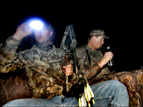 Wakefield and Timlin continued hunting at night at the Wingshooters Hunting Preserve. ''This is what I do to unwind,'' Timlin said. 'It's detox time.'