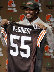 Willie McGinest left the Patriots to sign a three-year contract with the Browns.