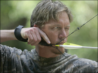 Red Sox reliever Mike Timlin, an avid hunter, takes aim at Wingshooters Hunting Preserve in Immokalee, Florida.