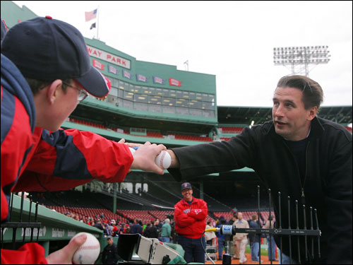 Actor Billy Baldwin was also on hand signing autographs for fans before the game.