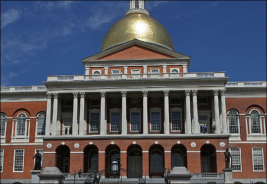 Explore the Massachusetts State House, the oldest building on Beacon hill, with a 45-minute t