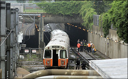 Transit Police investigated the death of a man struck by a MBTA train yesterday morning near the Green Street Station. The Orange Line service was halted for 2 hours and 20 minutes.