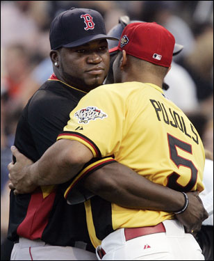 Albert Pujols and David Ortiz hugged during batting practice before the 2006 Home Run Derby. Pujols was not involved in the competition, while David Ortiz competed for the second straight year.