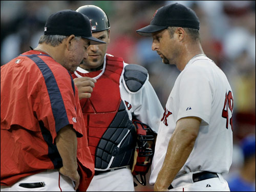 Red Sox pitching coach Al Nipper made a visit to the mound to talk to Tim Wakefield in the top of the second.