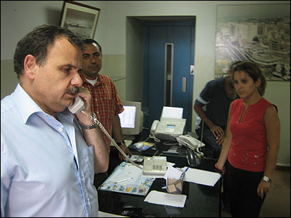 Abdul Rahman Bizri, the mayor of Sidon, Lebanon, prepared for the arrival of refugees fleeing Israeli bombing. By yesterday afternoon, 40,000 displaced people had settled in the town.