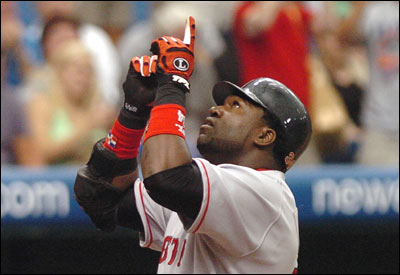 David Ortiz gestured after hitting his 40th home run of the season.