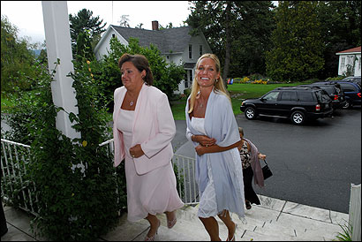 Kyle Paxman (right) and her mother, Patricia Carbee, entered the Basin Harbor Club in Vergennes, Vt., yesterday for a fund-raiser.