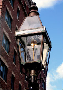 An authentic gas street lamp on Pinckney Street.