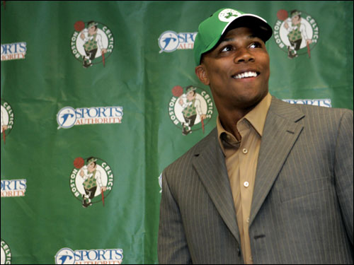 Sebastian Telfair in a Celtics hat