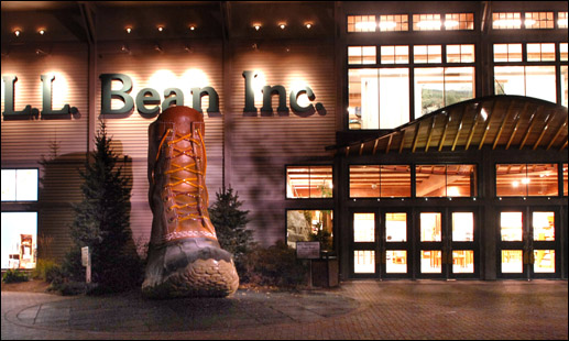 l.l. bean freeport maine late night