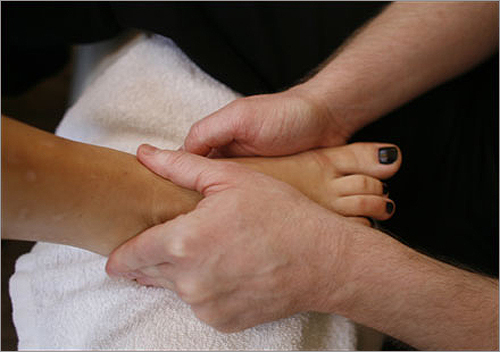 Other quickie massages include the basic 'In the Zone,' the 'G-flex Therapy,' a reflexology massage, the 'Head Rush,' aimed at relieving headaches, and the 'Unzip Your Drive,' for the computer user.