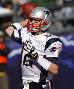 Tom Brady threw a pass into the flat during the first quarter.