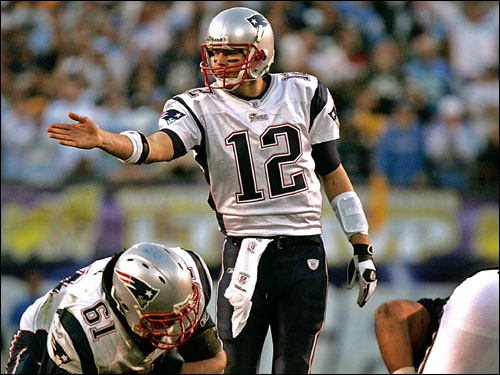 Patriots quarterback Tom Brady made an early adjustment at the line of scrimmage.