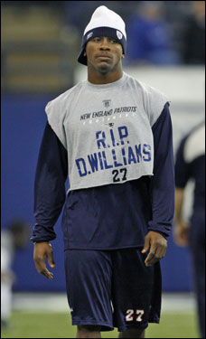 Patriots defensive back Ellis Hobbs wore his tribute to slain Denver Broncos defensive back Darrent Williams as he checked the field.