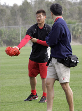 Matsuzaka worked out with trainer Masai Takahashi.