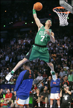 Green Went Old School On His Second Dunk Reaching Back To Dee Brown In The Gerald Wins Slam Contest