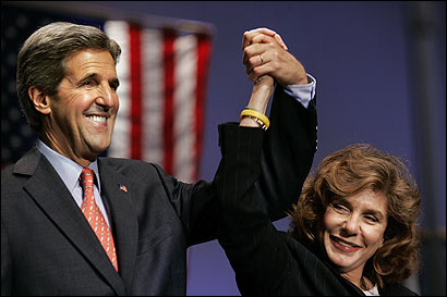 Senator John F. Kerry and his wife, Teresa Heinz Kerry, at a campaign appearance in 2004 in Fort Lauderdale, Fla.