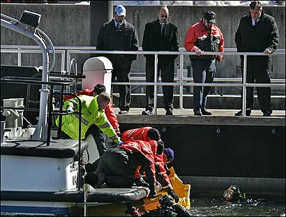 Fire Department divers recovered the body of a man yesterday from Boston Harbor near Long Wharf.