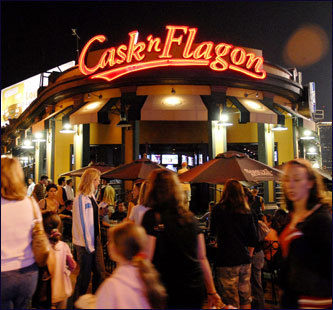 Cask n' Flagon was once known as a small bar on the corner of Brookline Avenue, but is now a Red Sox fan landmark. Grab a beer at this infamous bar located behind the Green Monster.