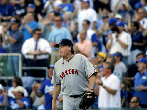 Curt Schilling watched as another Kansas City hit fell during the fourth inning.